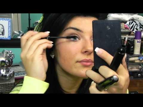 Younique makeup Review