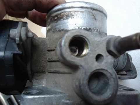 Volvo 240 throttle body cleaning - YouTube