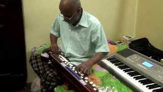 Bulbul - Kannada song Moodala Maneya Muttina Neerina(Belli Moda) on Bulbul Tarang/Banjo by Vinay Kantak