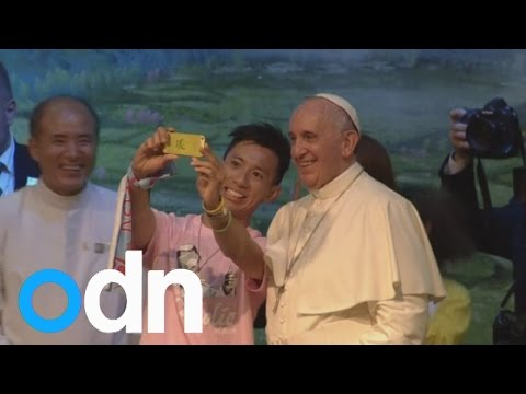Watch Pope Francis pose for selfie in South Korea