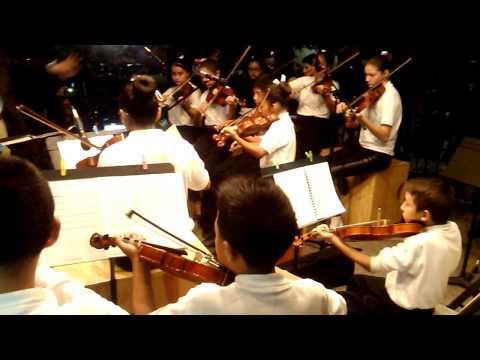 Presentación de violin en San Pedro Garza Garcia.