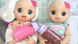 BABY ALIVE GÊMEAS LAURINHA E DUDINHA TOMANDO LEITINHO NA MAMADEIRA