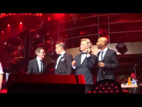 Robbie Williams - Ignition Pt 2  (FRONT ROW) - 23-Sept-14 Brisbane HD