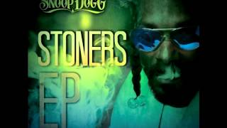 Watch Snoop Dogg 1st We Blaze It Up video