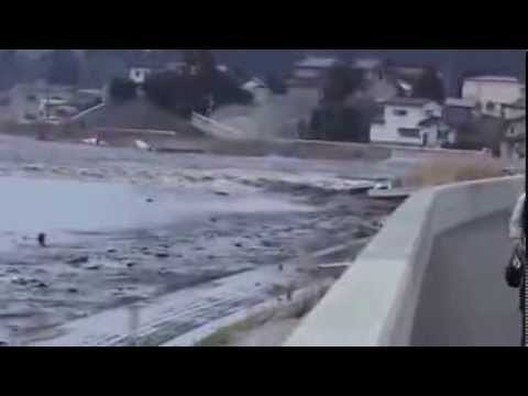 New Video Of Tsunami In Japan 2011  Part 1 video
