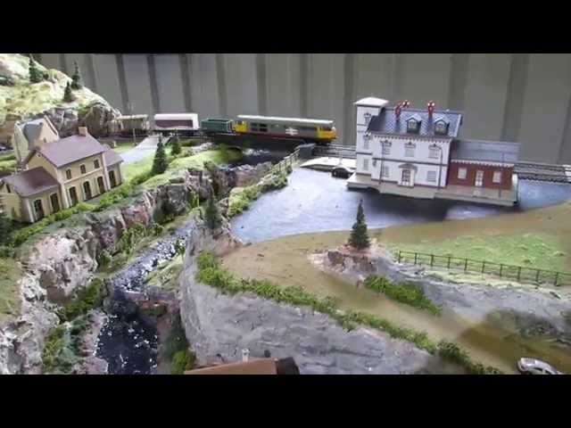 8 x 4 foot HO Scale Model Train Layout - modified River Pass layout.