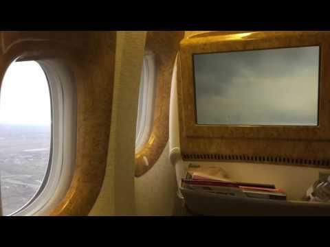 Emirates EK180 take-off WAW-DXB 26.12.2015 B777-300ER Business Class