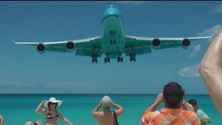 St Maarten Crazy Takeoff Landing 747 A340 etc. (Full HD 1080p !)