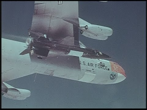 X 15 Rocket Plane ... Project X-15 -- NASA film about the hypersonic rocket plane - YouTube