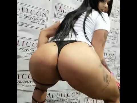 Latin Ink Mag Cover Story : Porn Star Carolina Cortez