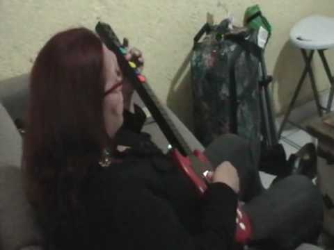 Rocker Mom: My mom is a guitar hero addict