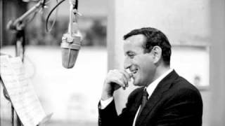 Watch Tony Bennett Close Your Eyes video