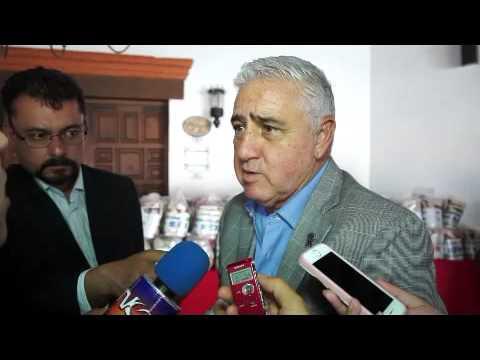 Explota alcalde al ser cuestionado sobre permiso otorgado a restaurante de regidor