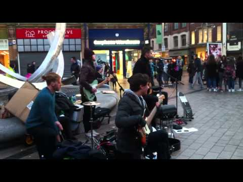 Belfast Buskers: Key West perform