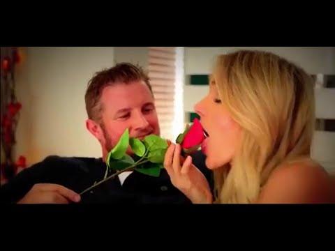 Шмаре подарили розу, На самом деле она хотела соснуть его член
