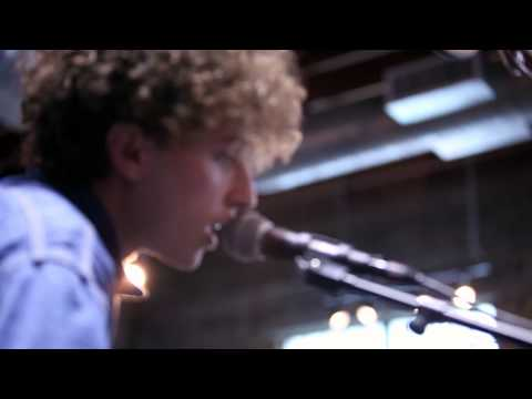 Yuck - Shook Down (Live on KEXP)
