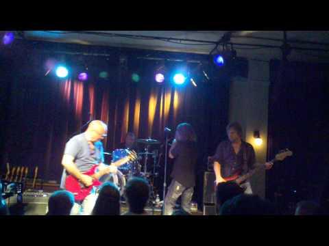 Ronnie Montrose-Gamma tune Wow Hall-Eugene,Oregon -9-15--11.