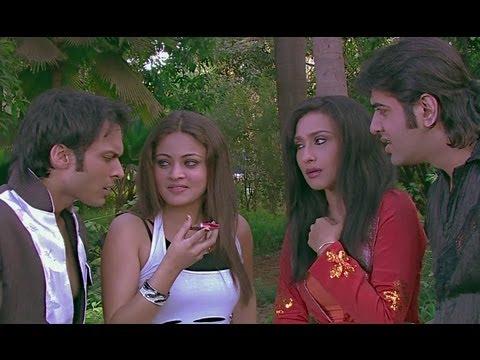 Shakti Kapoor Kidnaps Bappi Lahiri - It's Rocking - Dard-E-Disco