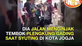 Komo Ricky Injak Plengkung Gading Situs Bersejarah Yogyakarta di Kecam Netizen