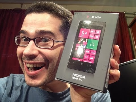 LIVE: Windows Phone 8 Unboxing (Hands On, Nokia Lumia 810)