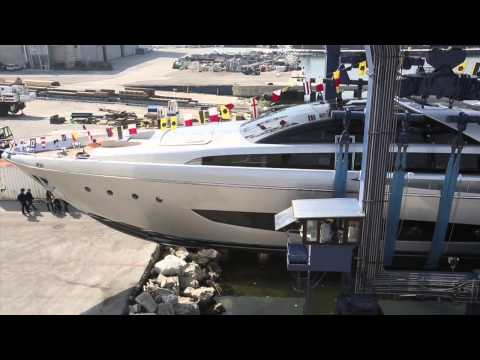 Riva 122' Mythos video