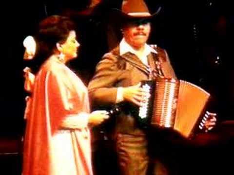 Maria de Lourdes y Amador Lozano interpretan