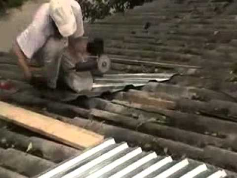 У нашего дома обновка - новая крыша. Барнаул - 2013