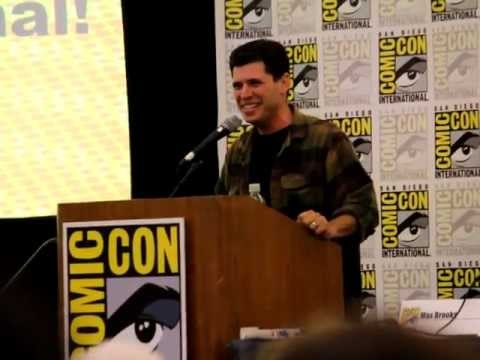 Max Brooks gives his opinion of the 'World War Z' film - SDCC 2013