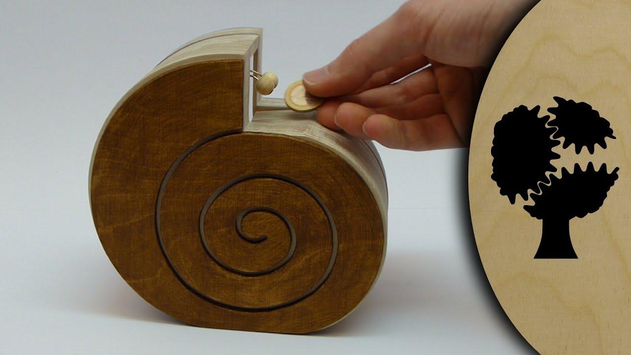 Schneckchen - Holzsparkasse (Wooden Coin Bank) - YouTube