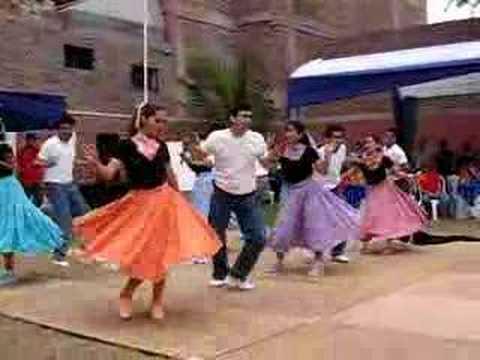 Baile Grees 2 - www.perubonito.com.pe