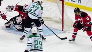 Kinkaid makes big recovery save to deny Stars a goal
