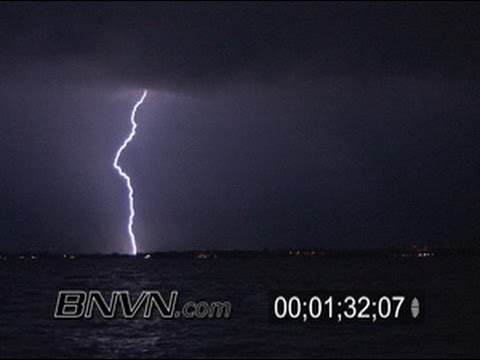 8/17/2005 Sarasota Florida, overnight lightning video