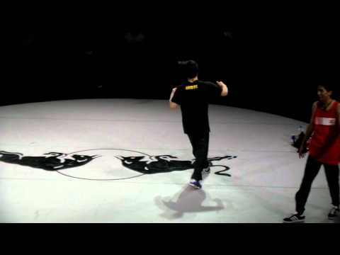 Red Bull BC One 2011 Qualifier TAIWAN - 16 battle - Blue vs Hertz(阿赫)