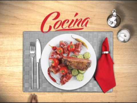 En Nochebuena haz tú la cena, en los libros está la receta. Comercial Navidad CCL.