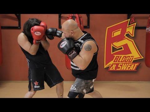 Учимся работать первым номером (атаковать). Техника бокса. Игорь Смольянов.