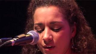 Nadja Benaissa singt Rio Reiser