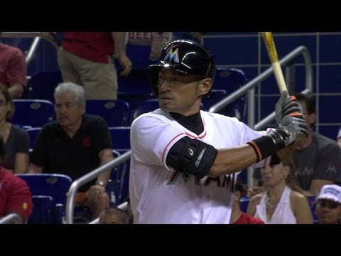 ATL@MIA: Ichiro earns first hit with Marlins