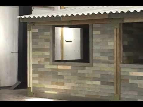 En cali construyen primer casa con ladrillos de pl stico for Como se disena una casa