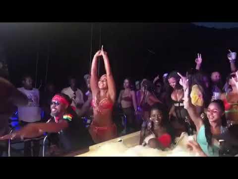 Ashanti Twerking On Usain Bolt In The Crowd At Carnival thumbnail
