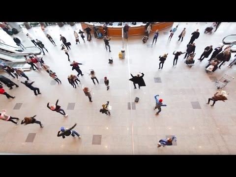 Флэшмоб в Домодедово: танцуют все! | Flash mob in Domodedovo Airport