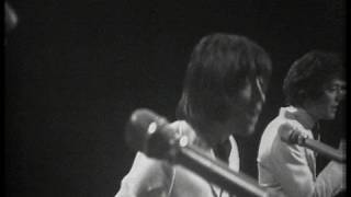 Watch Hollies Sorry Suzanne video
