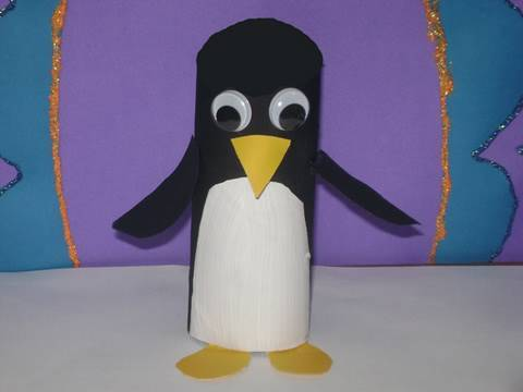 Como hacer un pinguino de papel higienico (Cara Negra)