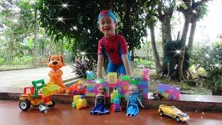 Người Nhện săn tìm đồ chơi trẻ em trong vườn ♥ hide and seek kid toys ♥ Su Hào TV