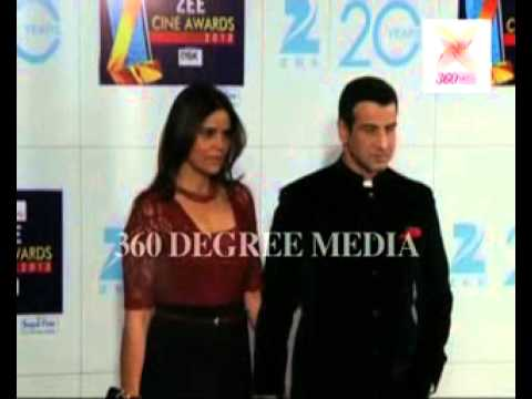 Rohit Roy, wife Mansi, Ronit roy and wife Neelam pose at the red carpet at the Zee Cine Awards 2012