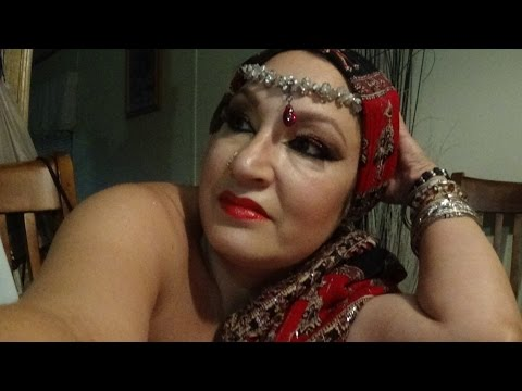 ARABIAN SEX APPEAL MAKEUP (RED & GOLD) thumbnail