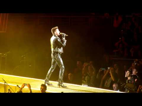 Queen - Fat Bottomed Girls @ Sydney
