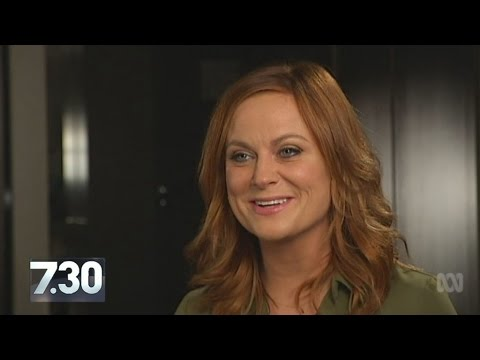 Amy Poehler talks with 7.30 guest reporter Annabel Crabb