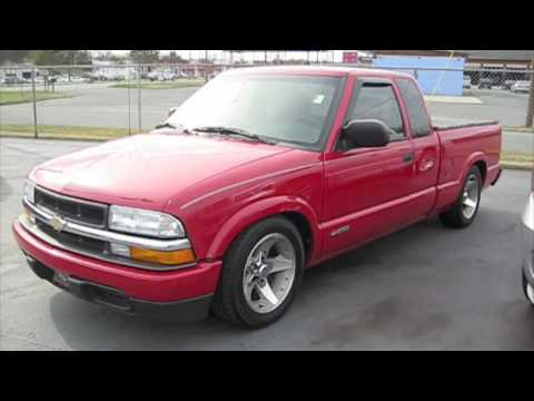 2003 Chevrolet S-10 Start Up. Exhaust. and In Depth Tour