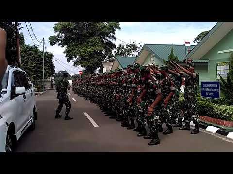 Heboh !!! TNI ini sangat keren saat Yel yel kelompok nya thumbnail