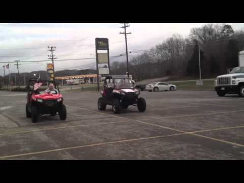 2012 Polaris RZR 570 drag race against 2011 Polaris RZR S 800